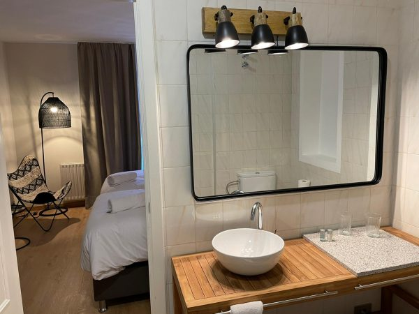 Hab 10_20 Vista lavabo dormitorio horizontal